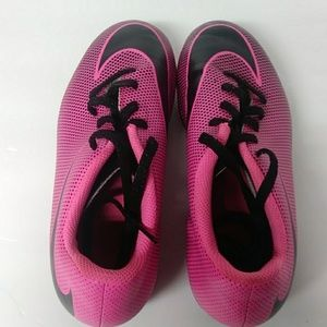 Nike pink girls cleats